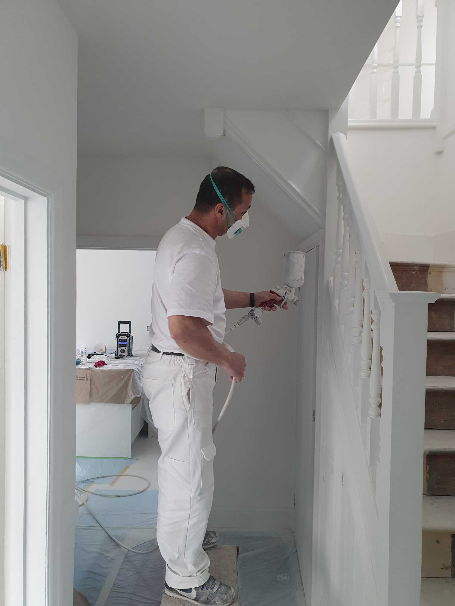 wall-spray-painting-London